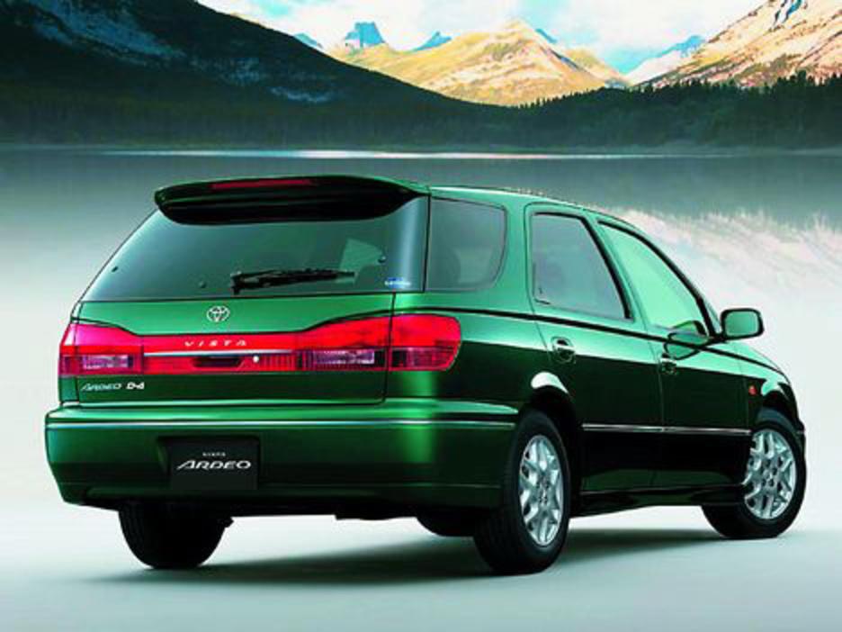 Легковой универсал «Тойота-Виста-Ардео»: характеристики