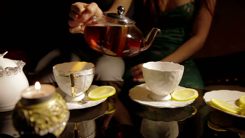 Tea from pure water of the peeled teapot