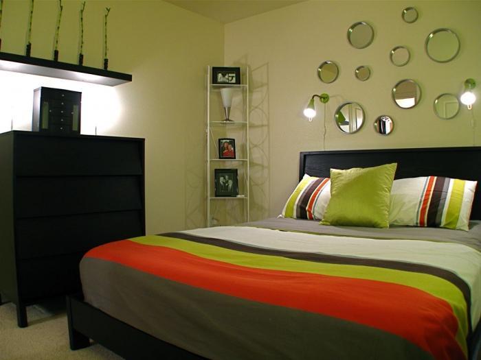 дизайн спальни для маленькой комнаты