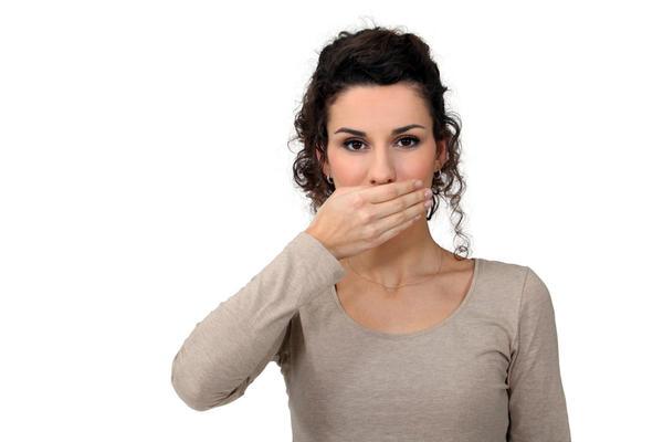Какие причины проявления и варианты лечения молочницы на языке