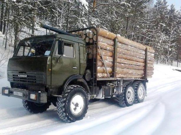 КамАЗ на лесозаготовке
