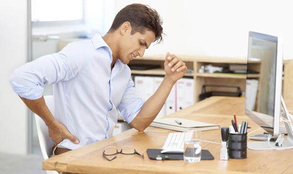 Боли в позвоночнике в области поясницы: причины, возможные заболевания, лечение