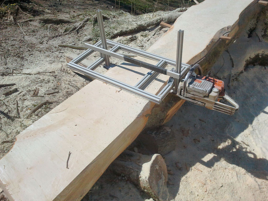 Mobile sawmill from a chainsaw