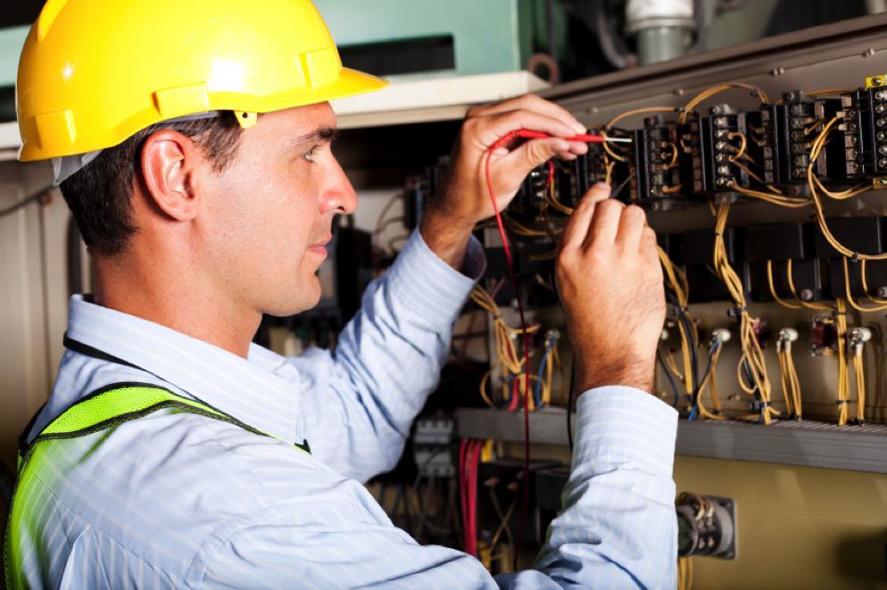 Техника безопасности электрика. Сдача экзамена по технике безопасности по электрике. Набор диэлектрического инструмента