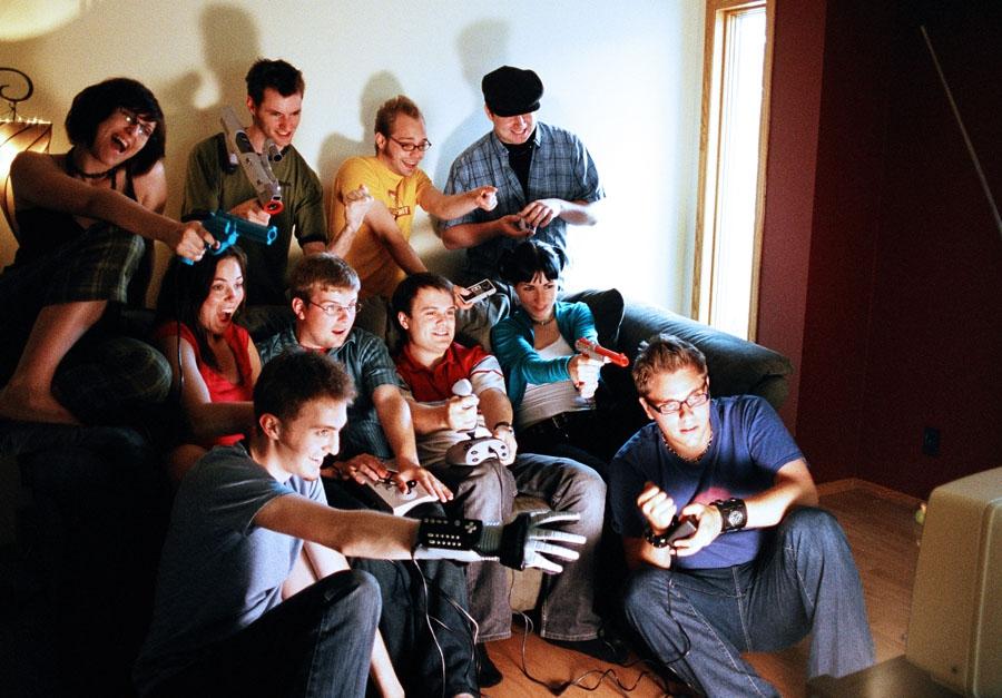 Игры за столом для веселой компании взрослых