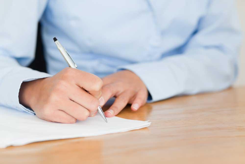 Writes a resume
