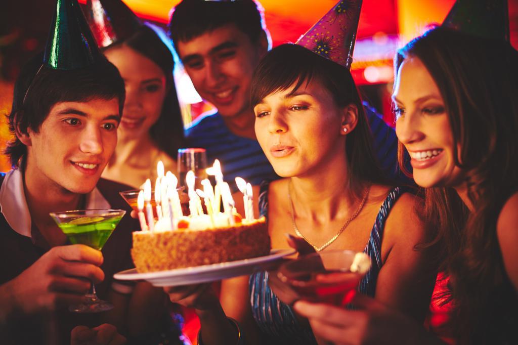 прикольные фото в честь дня рождения характерное пение связано