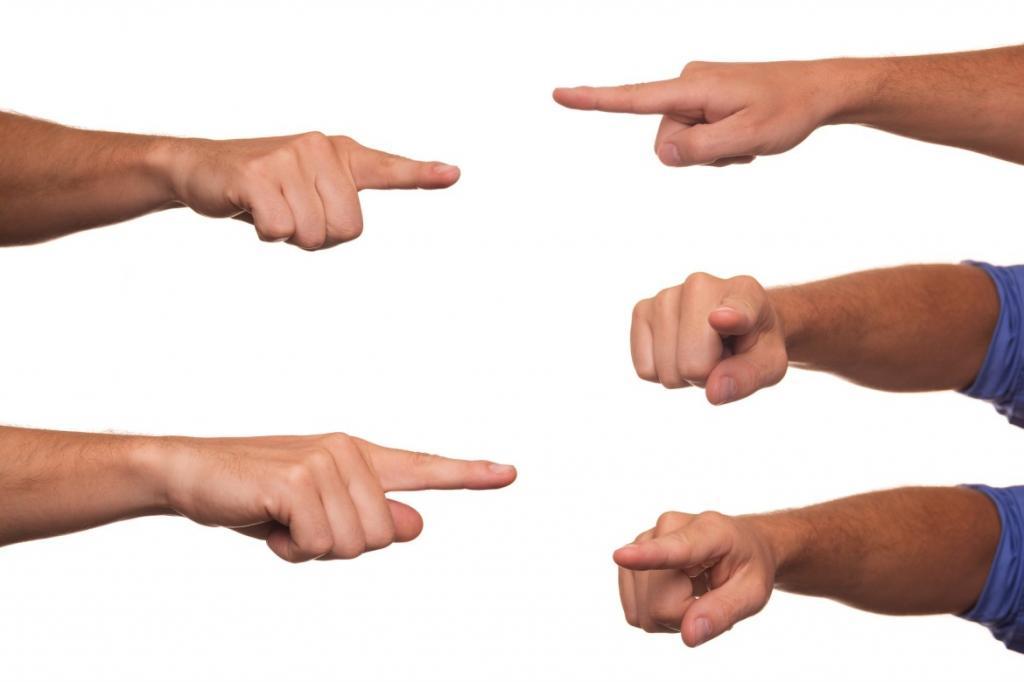 Указательные жесты: чем являются, как используются, что означают