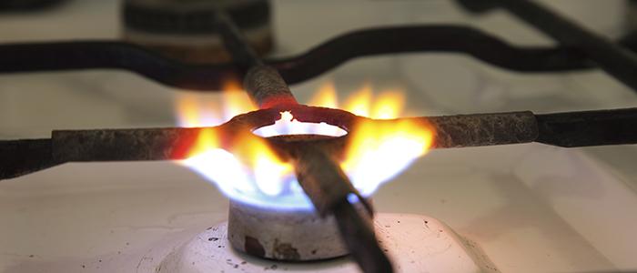 Почему коптит газ из баллона