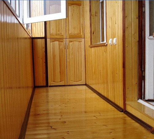 clapboard room photo