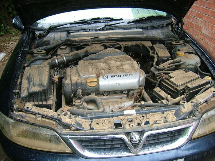 чем отмыть двигатель