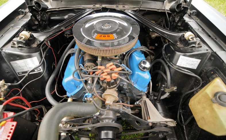 """Автомобиль """"Форд-Мустанг"""" 1964 года выпуска: описание, технические характеристики"""