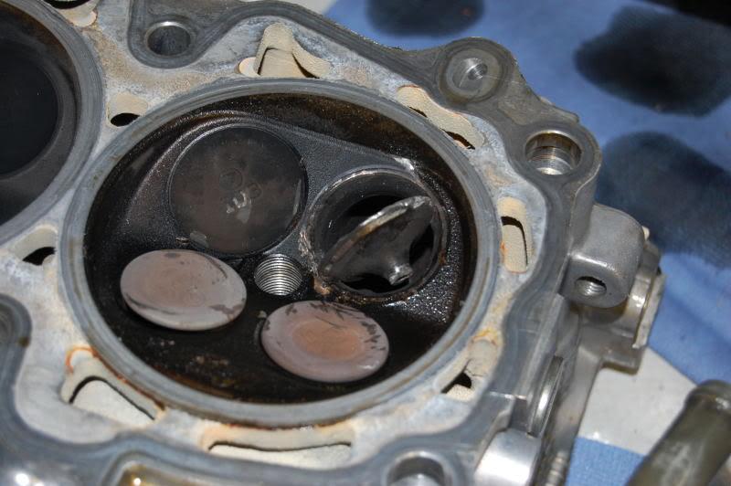 подтраивает двигатель на холостых приора 16