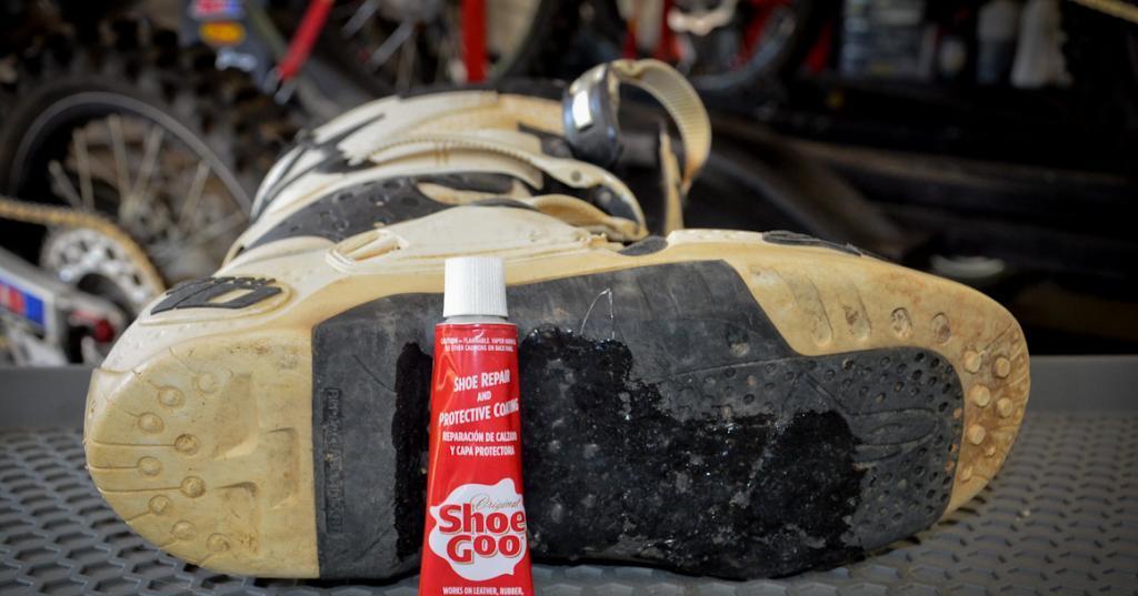 как отремонтировать подошву обуви если лопнула