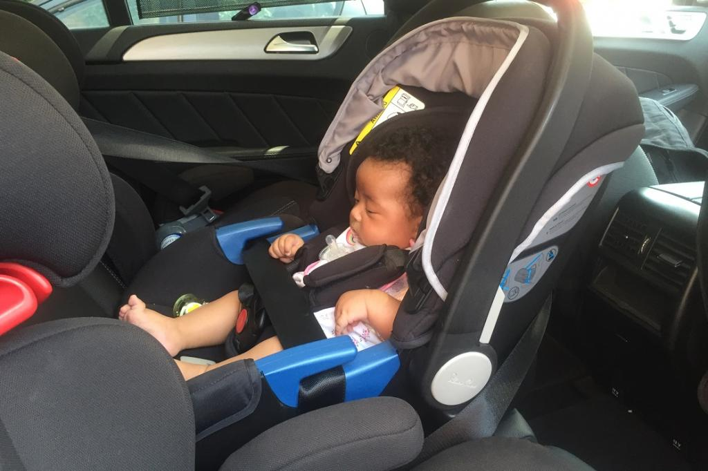how to fasten a car seat in a car