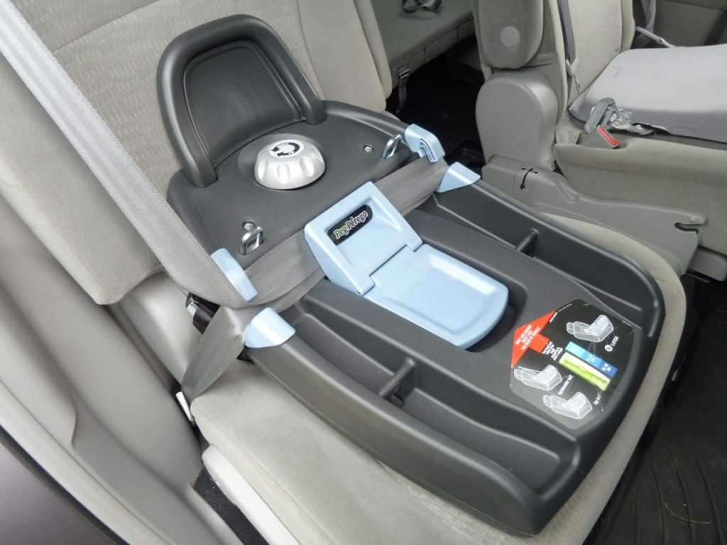 how to fasten a car seat in the back seat
