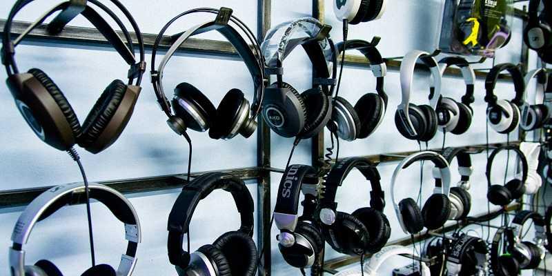 Головні телефони: параметри і типи