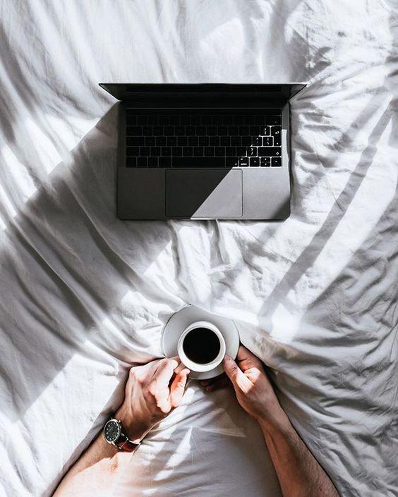 Как знакомиться с девушками на сайте знакомств: что написать в первом сообщении, как заинтересовать