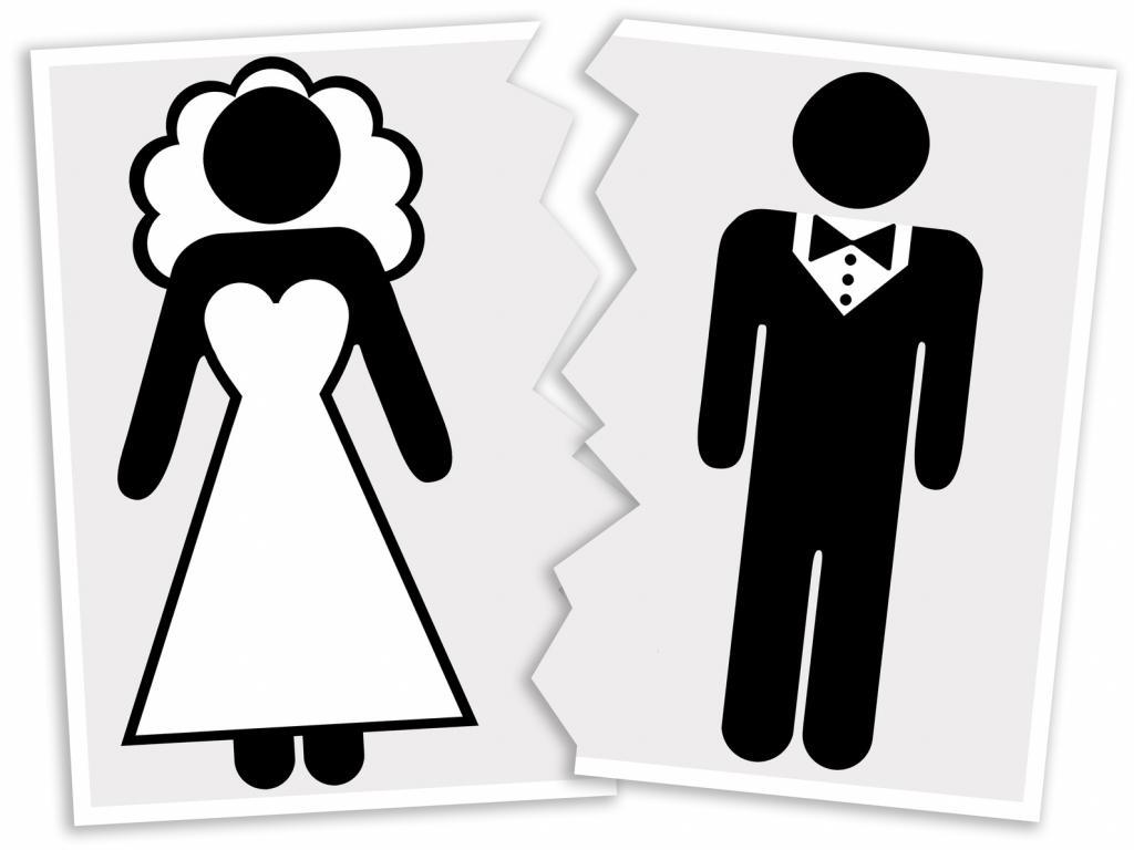 Хочу развестись с мужем он против