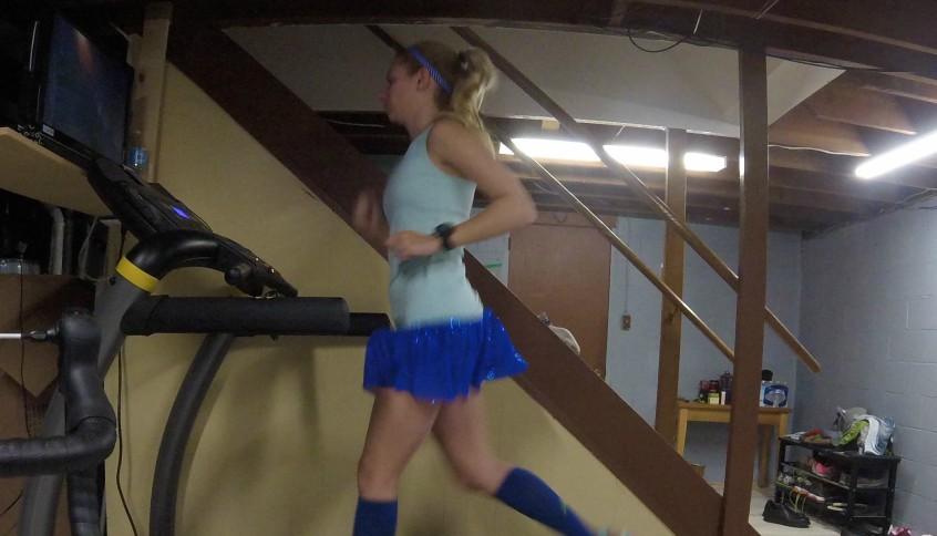 Как бегать на беговой дорожке для похудения: техника, правила и нагрузки