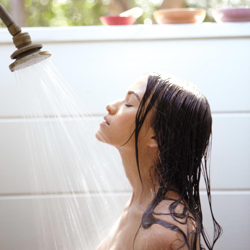 Congratulate, Nude babe in public shower remarkable