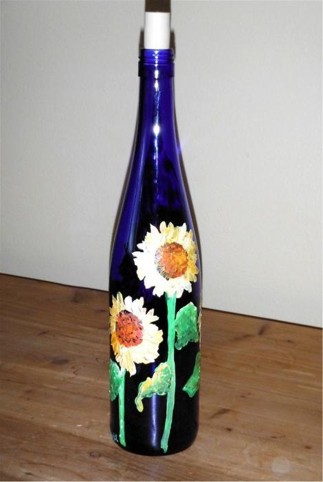 Роспись бутылки акриловыми красками. Витражная роспись бутылки