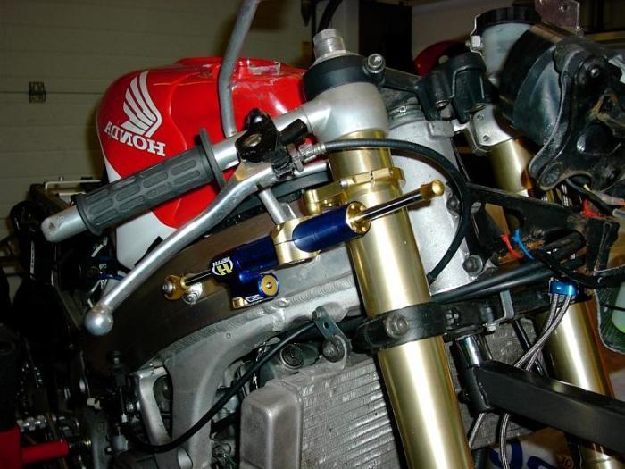 Рулевой демпфер на мотоцикл своими руками 80