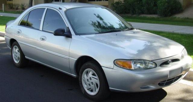 Форд Escort — один из самых фаворитных автомобилей компании Форд
