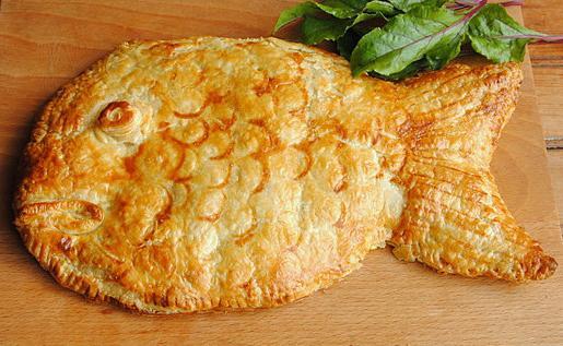 пирог с рыбой с рисом из слоеного теста