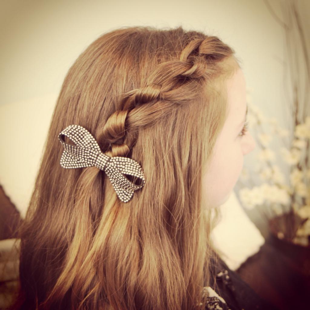 композиция для волос средней длины