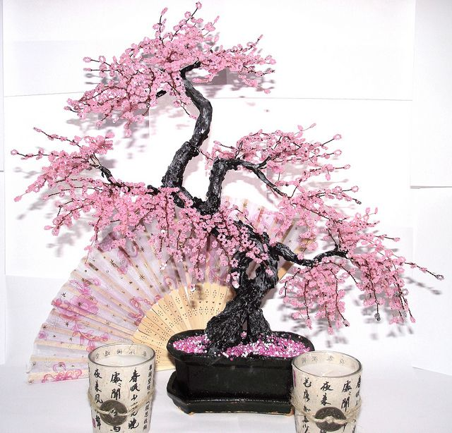 Цветущая сакура из бисера своими руками