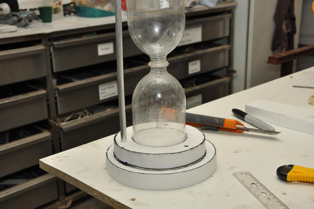 making hourglasses from plastic bottles