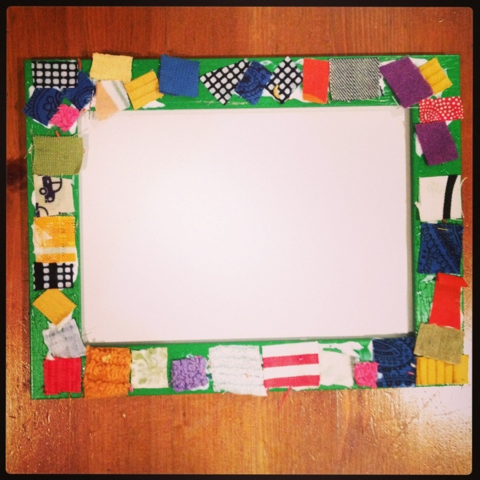декорирование рамки тканью