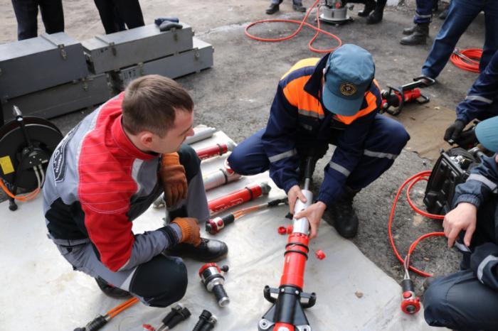 гидравлический аварийно спасательный инструмент