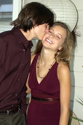 Школа отношений: о чем говорит поцелуй?