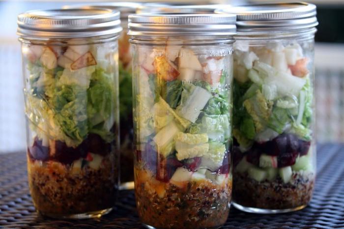 Слить смесь капусты положить емкость салата полить маслом фото