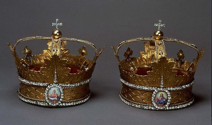 Днем рождения, картинки венчальные короны