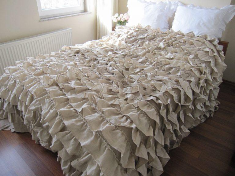 Как сшить покрывало на кровать своими руками?