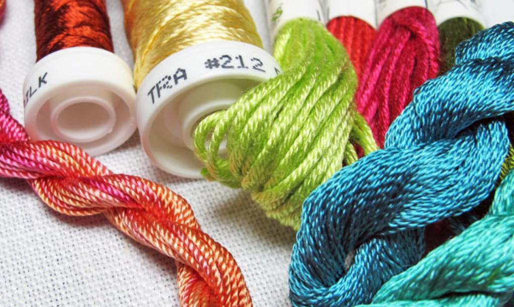 Вышивальные нитки: виды, цвета, производители
