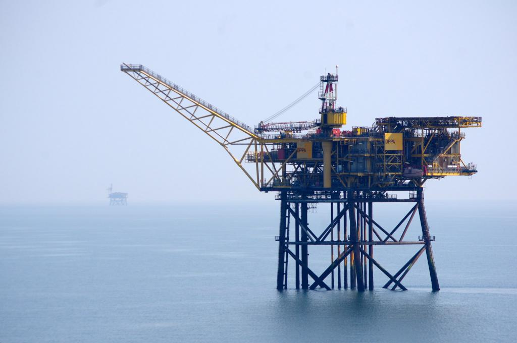 Добыча природного газ с шельфа океана