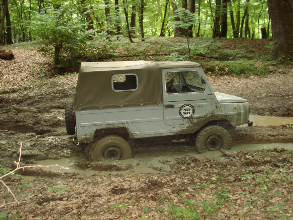 Луаз 969 в лесу