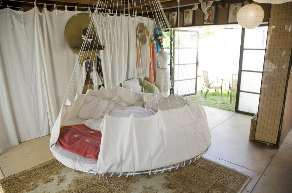 Metal frame hammock bed