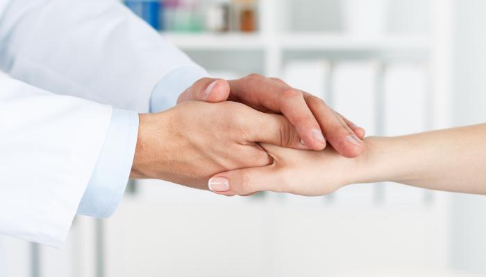 Немеют руки: что делать, возможные причины и лечение народными средствами