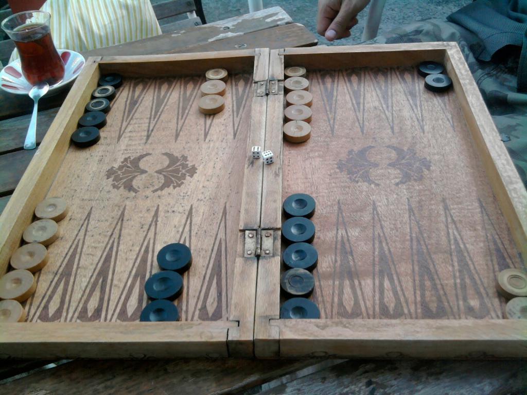 how to arrange backgammon