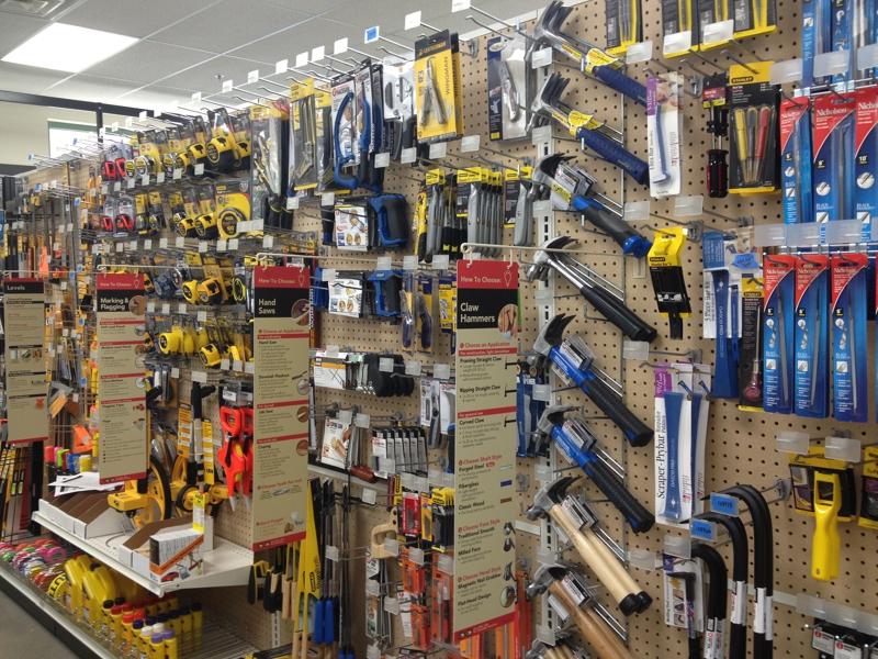 Внутренний вид строительного магазина