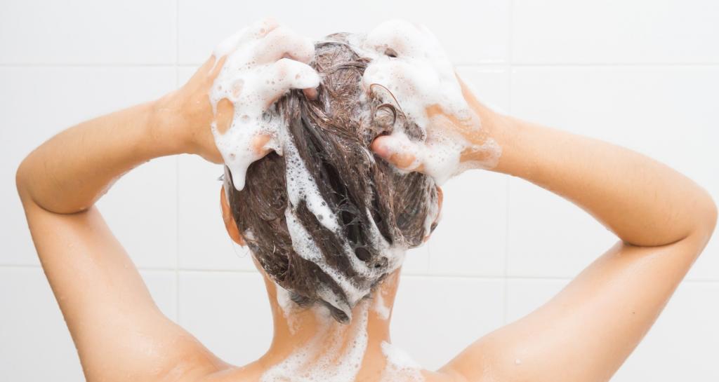 Витамины в ампулах для волос от выпадения: обзор лучших препаратов, применение, отзывы