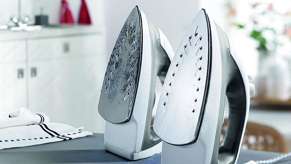 Steam irons with and without scale