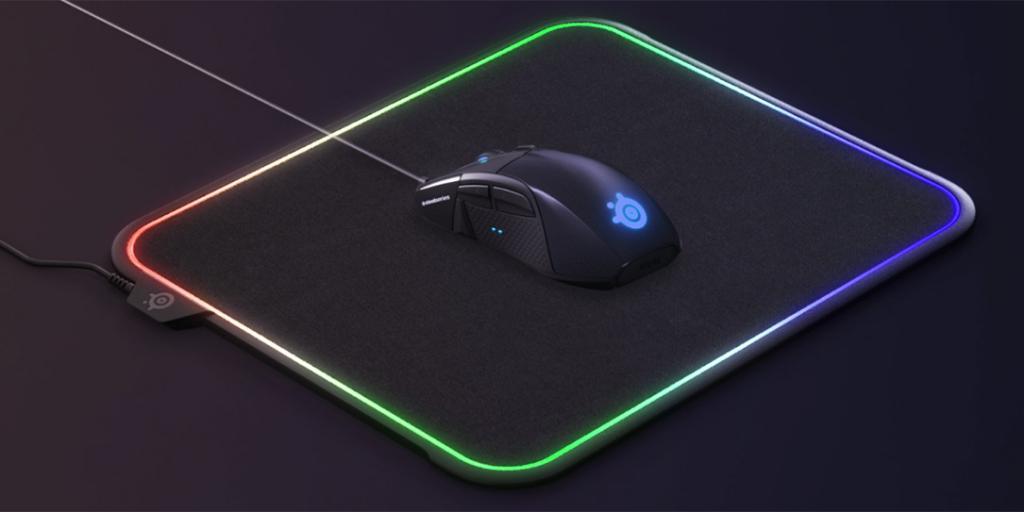 Backlit mouse pad