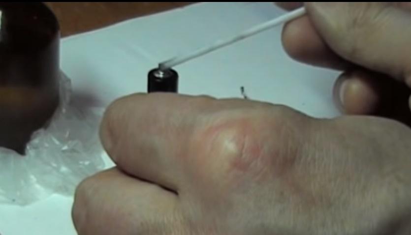 Как припаять провод к батарейке: необходимые инструменты и порядок работ