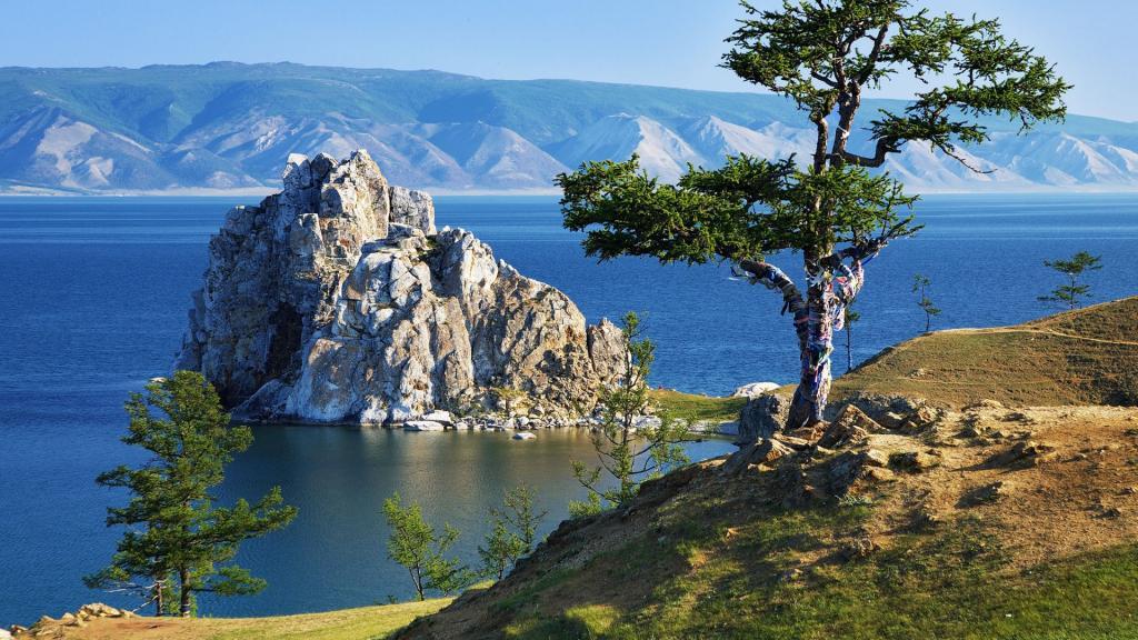 Величественный Байкал.